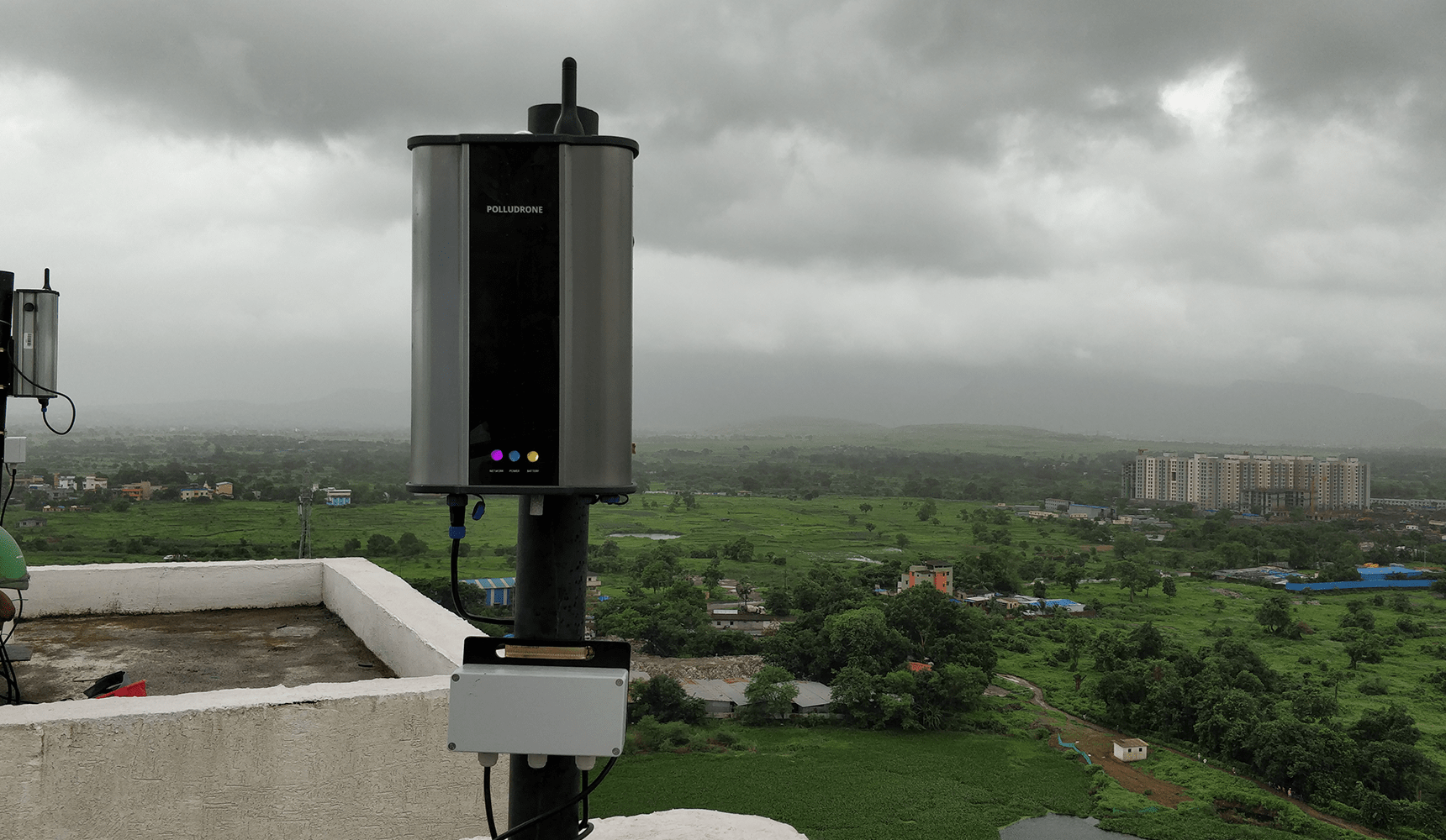 Oizom Air Monitoring System - Polludrone measures outdoor air quality along with its inbuilt Automatic Weather Station.