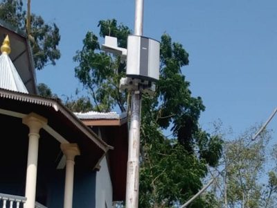 Pole mounted air quality monitor